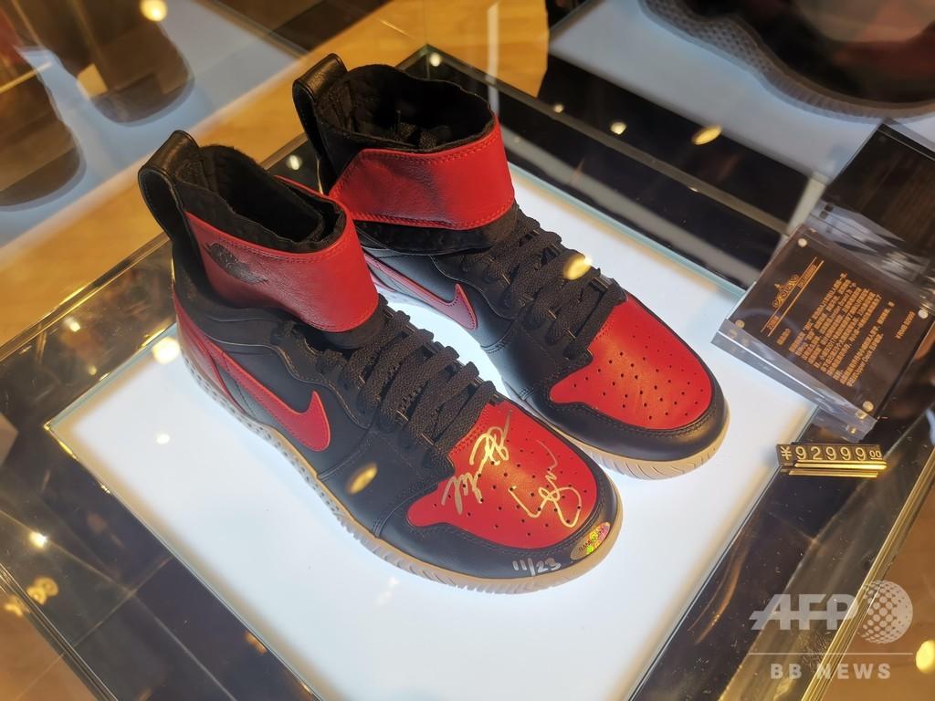 「履くもの」ではなく「売るもの」 中国で過熱するスニーカー投資