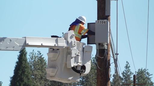 動画:カリフォルニア州、森林火災予防で計画停電開始 200万人に影響