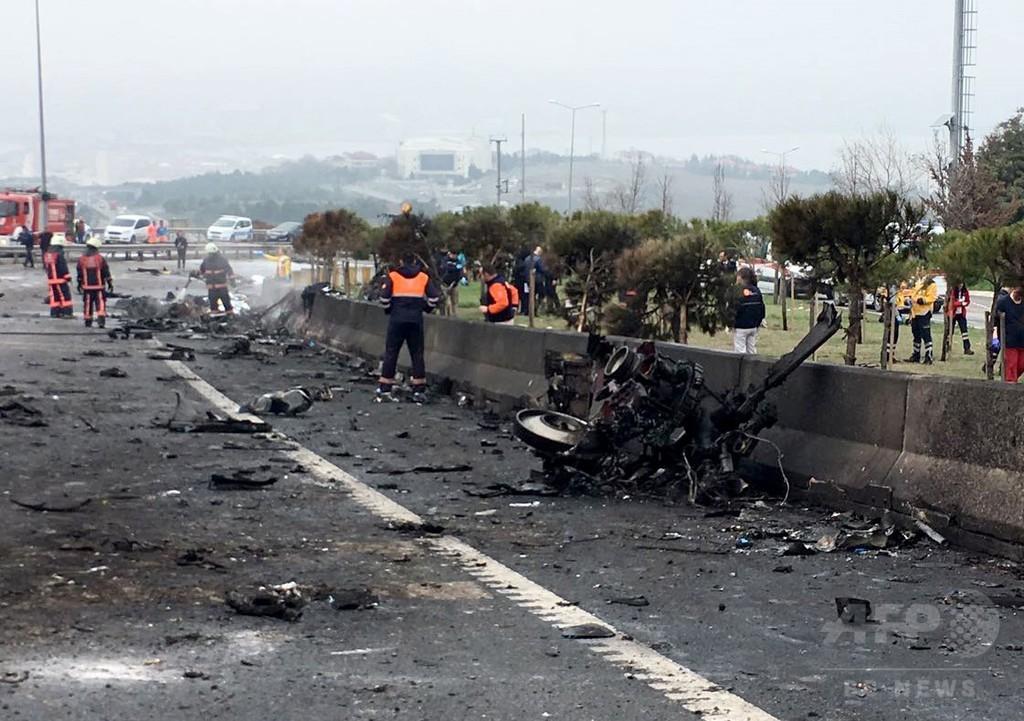 イスタンブールでヘリ墜落、ロシア人ら7人死亡