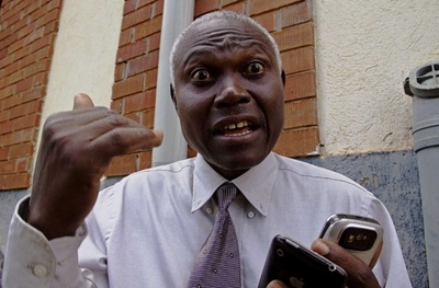 英国人同性愛者の裁判で注目集める反同性愛活動の牧師、ウガンダ