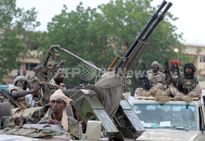 反政府連合に不安募らせる市民、仏大使館前で暴徒化 中央アフリカ共和国