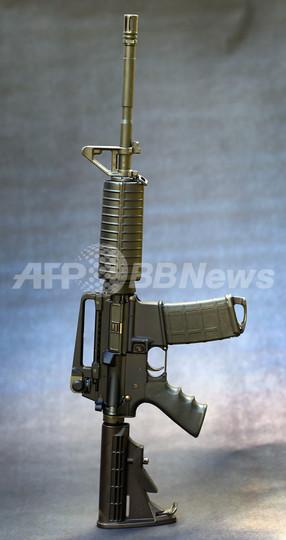 オバマ米大統領、攻撃用武器規制法案を支持