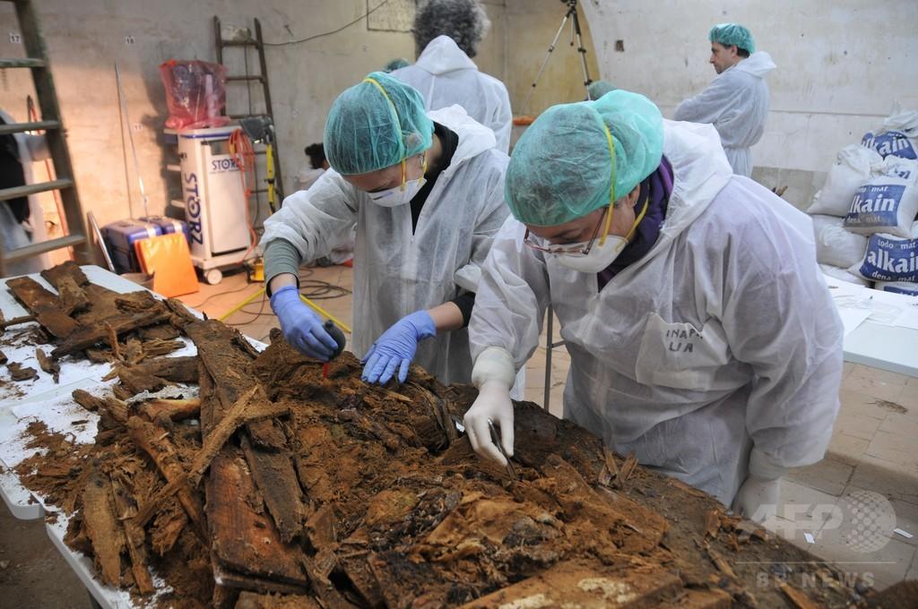 「ドン・キホーテ」の作者か?捜索チームが棺発見 スペイン