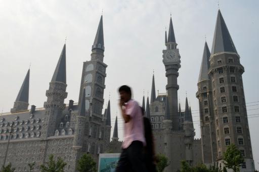 中国に中世の古城?実は美大の豪華校舎