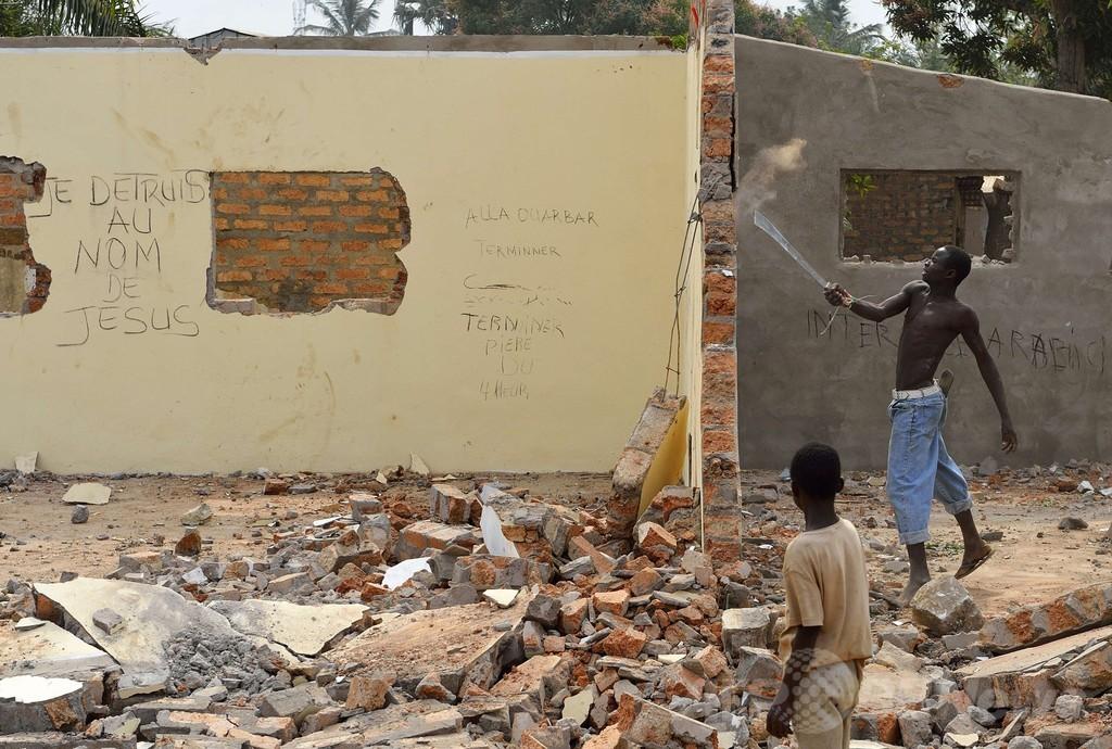 中央アフリカ、大統領辞任後に暴力行為が続発