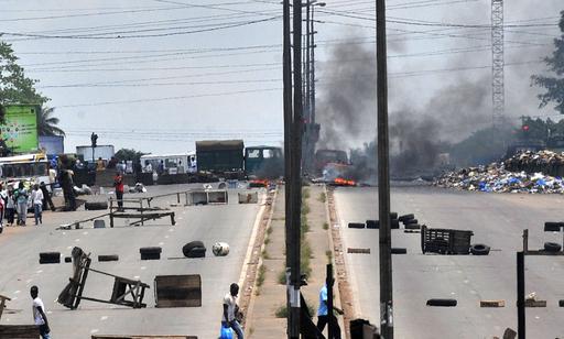 混乱続くコートジボワール、無差別発砲で4人死亡