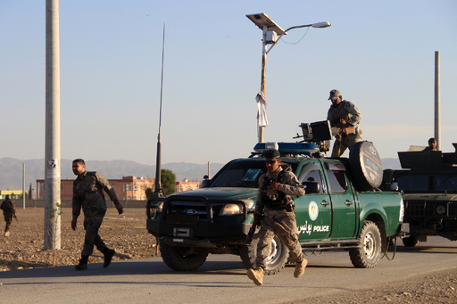 アフガン軍基地内モスクの自爆攻撃、ISが犯行声明 死者27人に