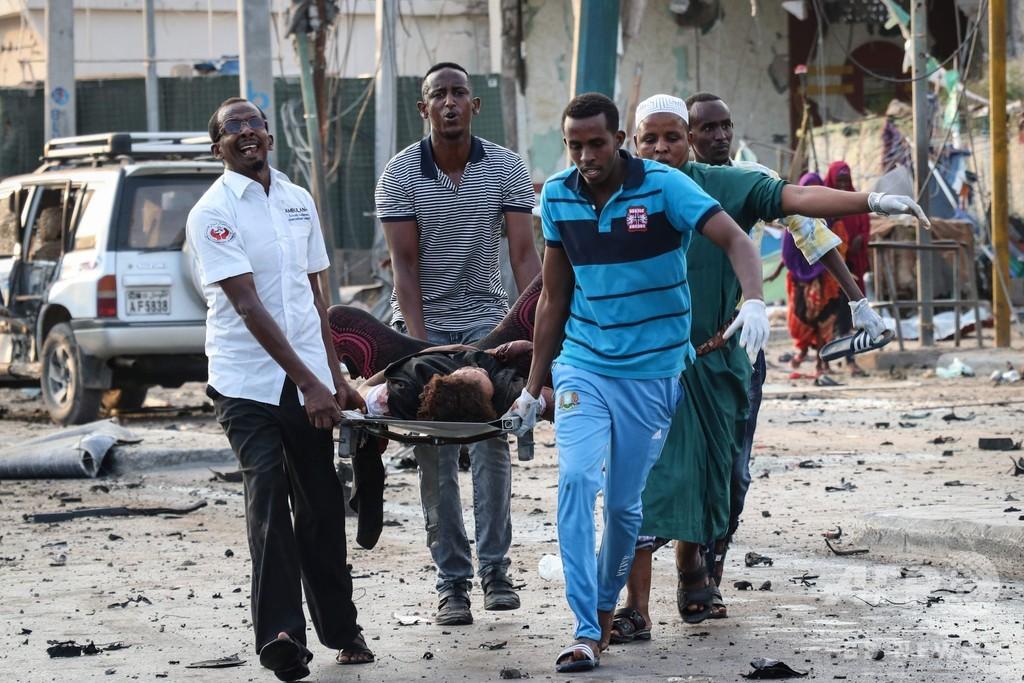 ソマリア首都で連続自動車爆弾攻撃、少なくとも41人死亡