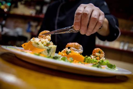 料理の決め手は政治、コソボ独立を認めないセルビアのレストラン