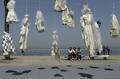レイプ加害者が罪免れる法を廃止に、「花嫁衣装」が訴える レバノン