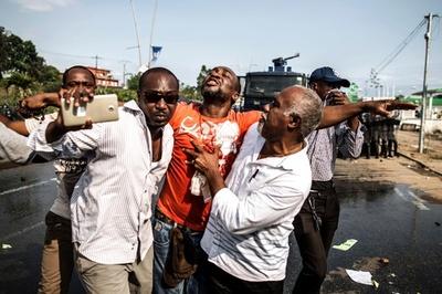 混乱のガボン、治安部隊が野党本部を攻撃 2人死亡