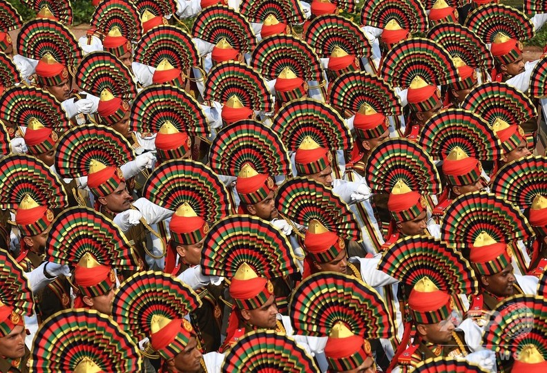 パレードのリハーサル盛大に、インド共和国記念日に向け首都で開催