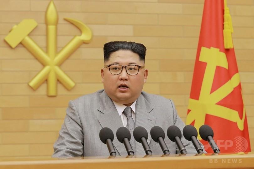 金正恩氏「核のボタンは机の上に」 弾頭・ミサイル量産へ