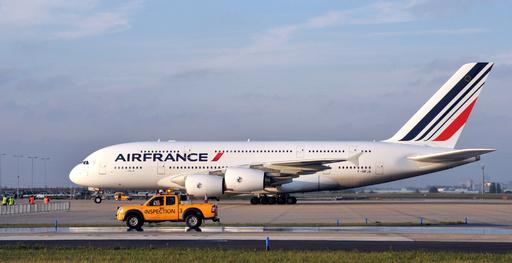 エンジンから「火の玉」、超大型機A380 ニジェール上空でトラブル