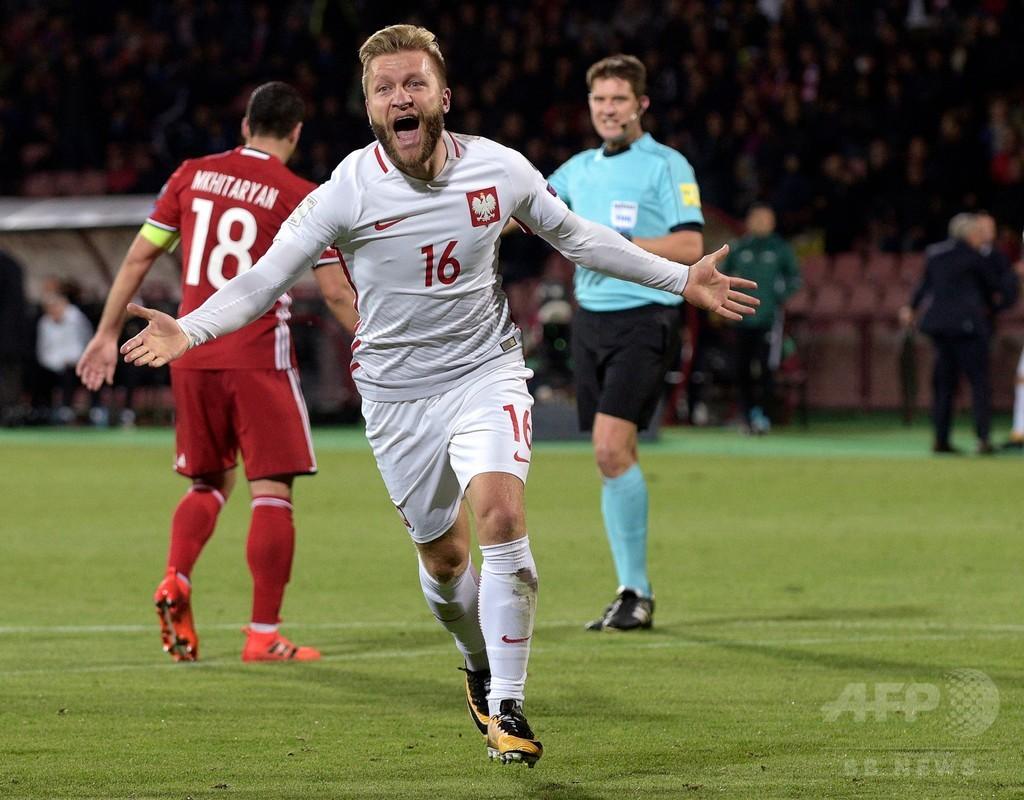 ポーランドがW杯出場王手、ハットのレワンドフスキは記録ずくめ