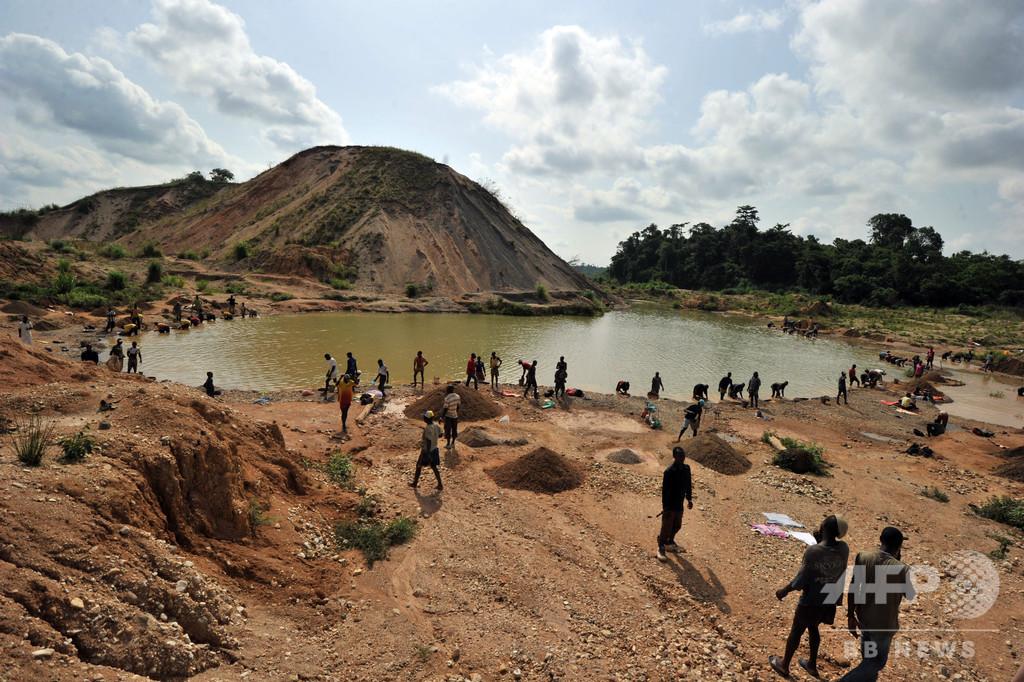 違法採掘と児童労働に関与した中国人38人本国送還へ シエラレオネ
