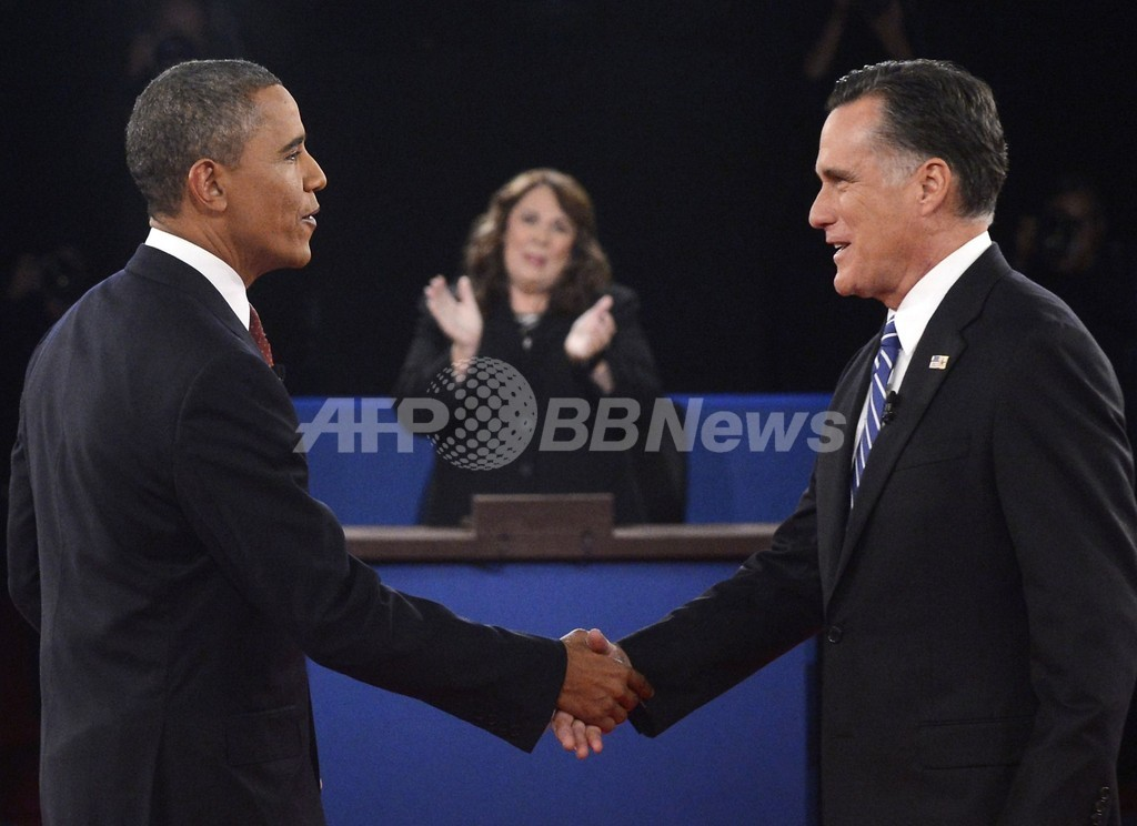 感情あらわに両候補が激論、米大統領選第2回討論会