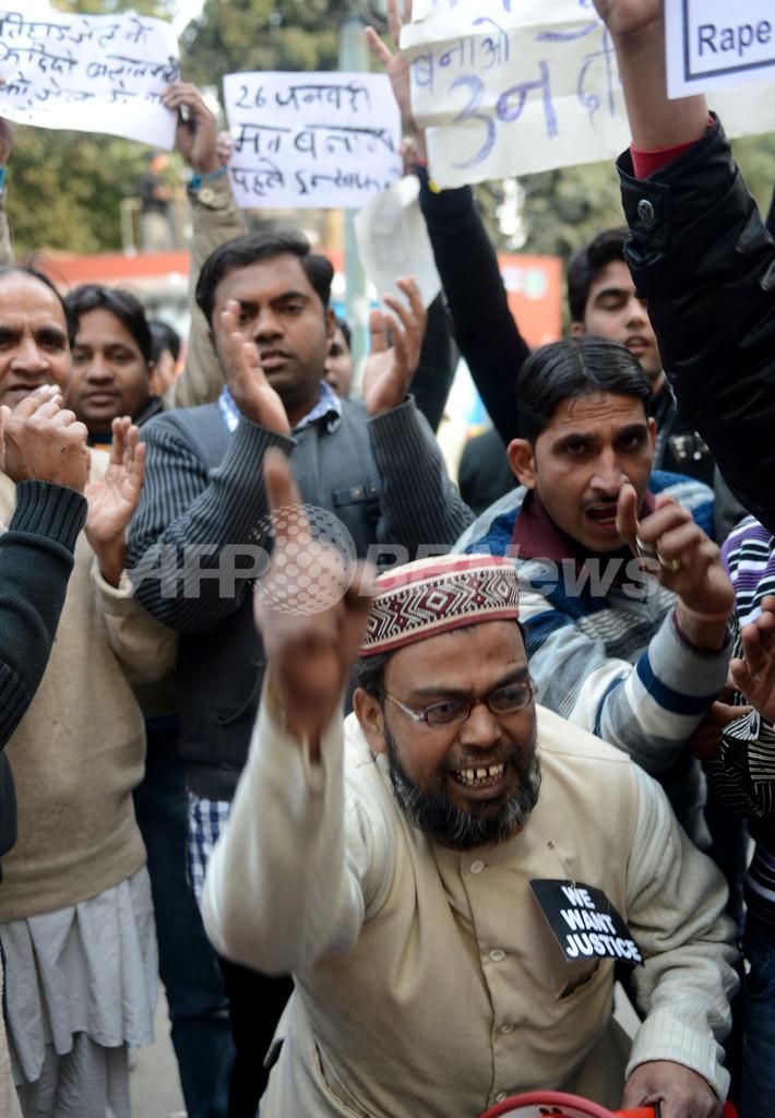 インド集団強姦、被害者をひき殺そうとした疑いも浮上