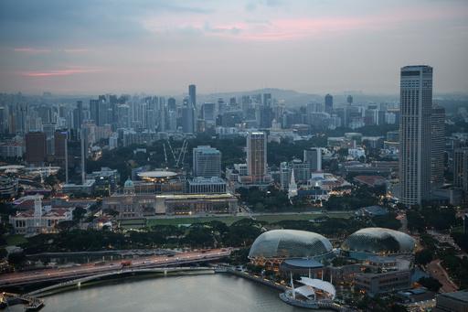 82円の賄賂受け取ったフォークリフト運転手、訴追される シンガポール