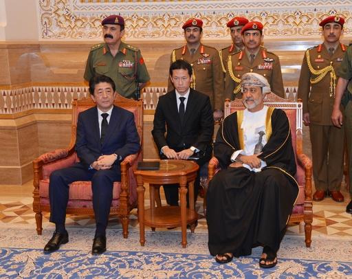 安倍首相、最後の訪問国オマーンのハイサム新国王と会談