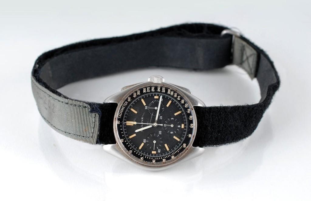 月面着陸した米宇宙飛行士の腕時計、約2億で落札 米