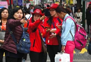 中国人観光客の韓国離れ続く、関係修復合意後も目立った回復なし