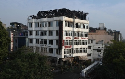 インド首都でホテル火災、17人死亡