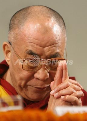 ダライ・ラマの「中道主義」、チベット人強硬派は非難