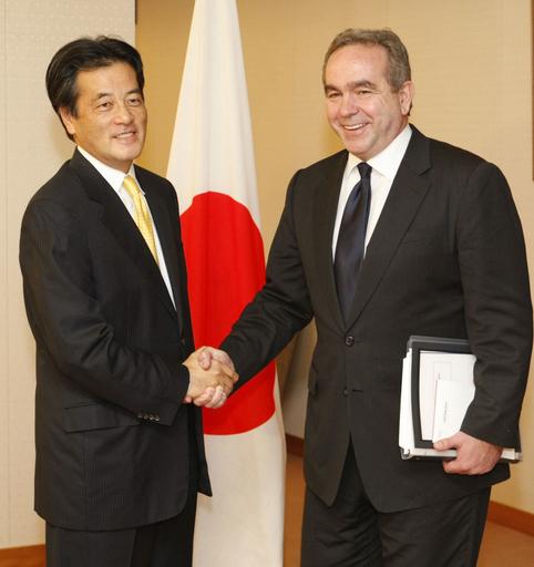 岡田外相、キャンベル米国務次官補と会談