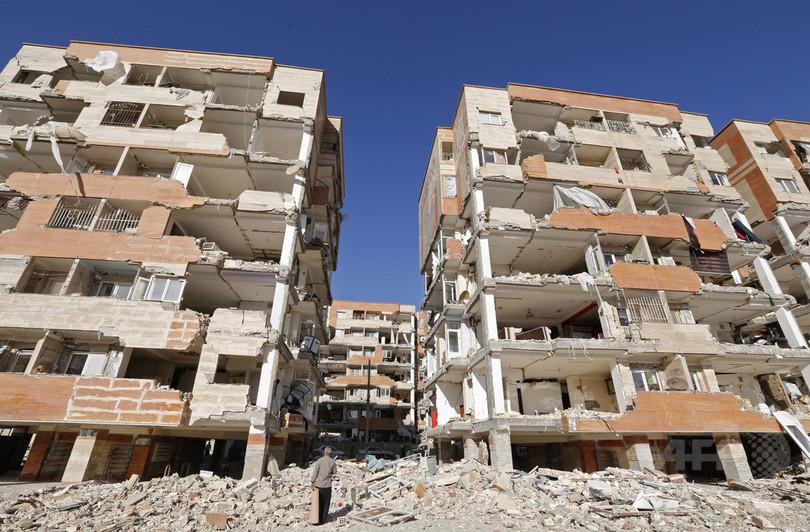 イラン地震被災者、前政権に怒り 低所得者向け住宅崩壊