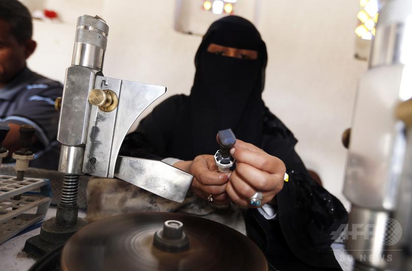 戦中も伝統を守り続けるイエメンの職人