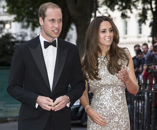 ウィリアム英王子が空軍を退役、公務に専念