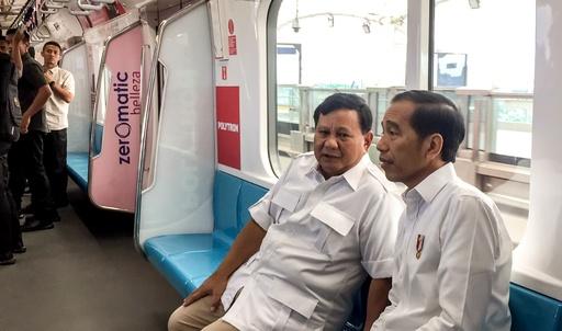 インドネシア大統領、選挙争った野党候補と会談 和解模索