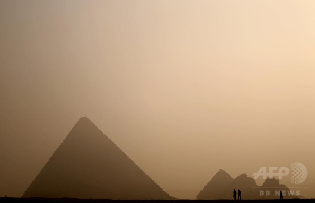 民家敷地の地下から古代寺院跡、エジプト
