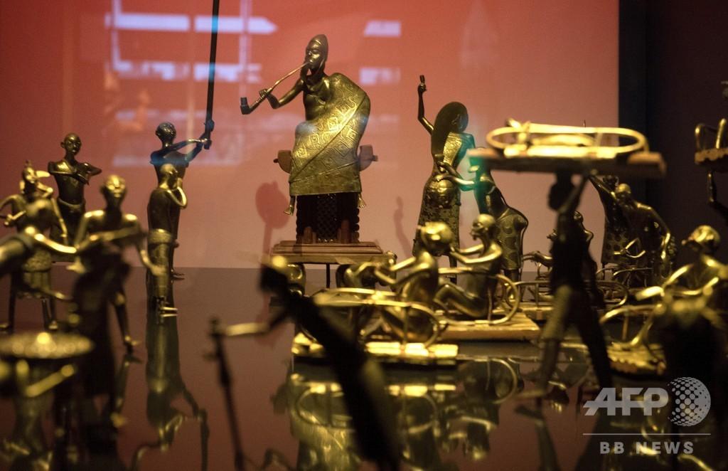 仏、旧植民地ベナンへの文化遺産返還へ マクロン大統領が同意