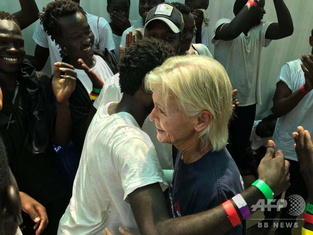 ダルフールの診療所から地中海の救助船へ、米看護師 15年前に手当てした子供と再会