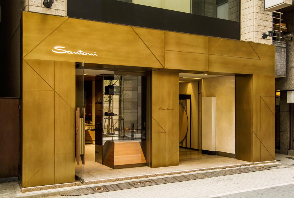 「サントーニ」旗艦店の1周年を記念したスペシャルアイテムが登場