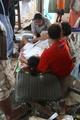 フィリピン台風被災地に「奇跡の赤ちゃん」誕生、波にのまれるも無事出産