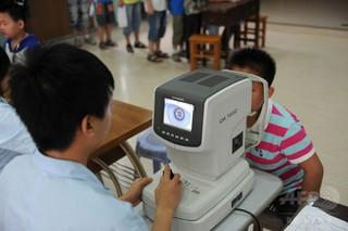 5割近くが重度の近視 中国・広州の小中学生
