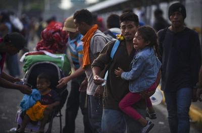 移民集団めぐる国境派兵、「週内に5200人」 米軍高官