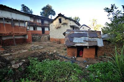 生理中の女性の隔離小屋で母子3人死亡、たき火の煙で窒息か ネパール