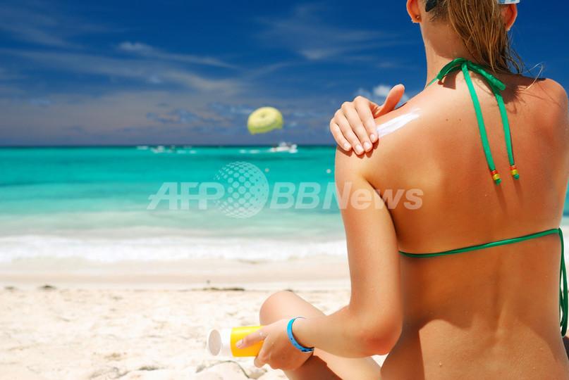 英国人女性の5人に1人が日焼け止め不使用、英調査