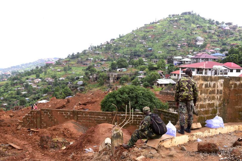 シエラレオネ洪水、人道危機迫る 死者・行方不明者約1000人