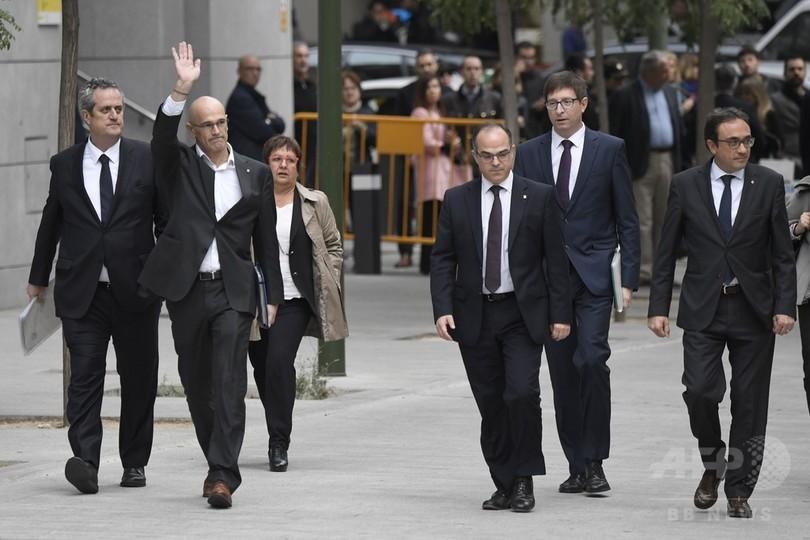 カタルーニャ元州政府幹部らが裁判所に出廷、検察は勾留要求 スペイン
