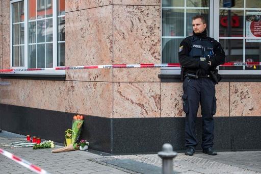 ドイツ西部で銃撃、9人死亡 人種差別が動機か