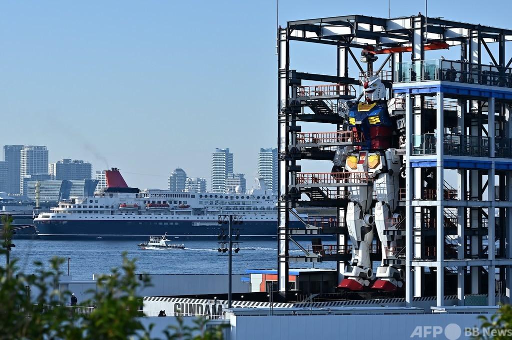 「ガンダム」の巨大模型、横浜にお目見え 来月一般公開へ