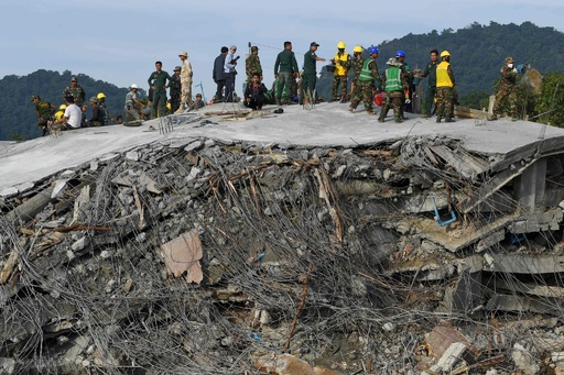 カンボジアで建設中のホテル倒壊、死者36人に