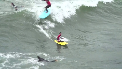 動画:「波乗り作戦」で生きる力を、負傷した米兵向けサーフィン大会