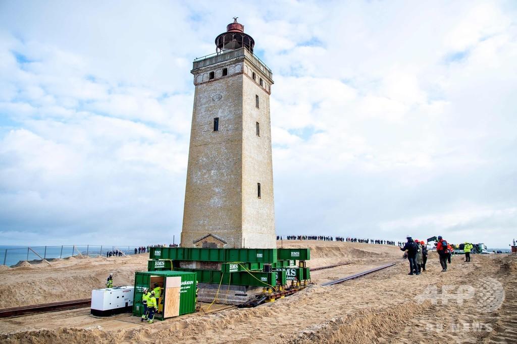 海岸の浸食から救え! 灯台の移動作業実施中 デンマーク