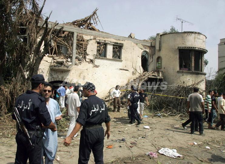 警察学校を狙った自爆攻撃で43人死亡、アルジェリア